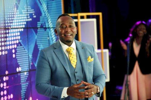 Prophet Elvis Mbonye Live 17.11.2020